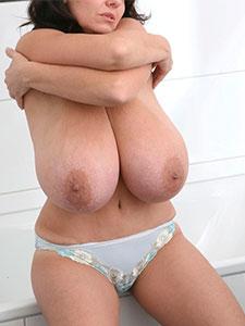 Большие натуральные сиськи зрелых мамаш