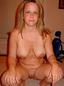 Фото голых жен на корточках