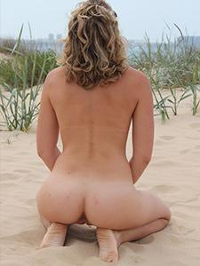 Частные фото голой мамки на пляже