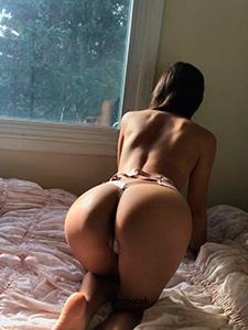 Очаровательная девушка обожает анальный секс